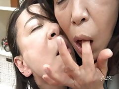 2 Older Japanese Lesbians Hardcore Kiss Young Lady At Doctor