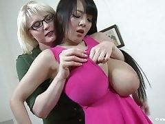 Hitomi Tanaka VS Casey Deluxe - Big tits heaven