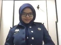 Kastam Melayu Tayang Pepek Tetek